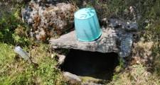 Fuente de La Cueva en el Barrio de Los Arquitones